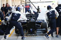 Valtteri Bottas, Williams FW36 pratica um pit stop