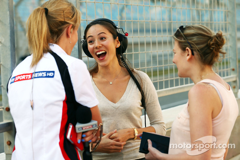 (L to R): Rachel Brookes, Sky Sports F1 Reporter with Jessica Michibata, girlfriend of Jenson Button