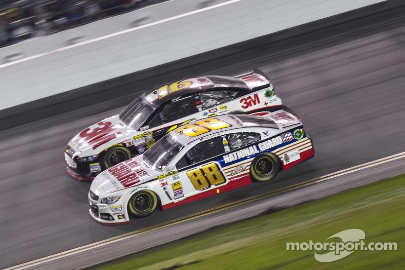 Dale Earnhardt Jr. ve Greg Biffle