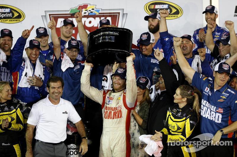 Vincitore Dale Earnhardt Jr., Hendrick Motorsports Chevrolet