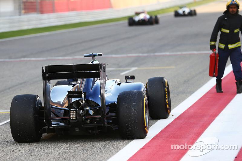 Valtteri Bottas, Williams FW36 si ferma sul rettilineo