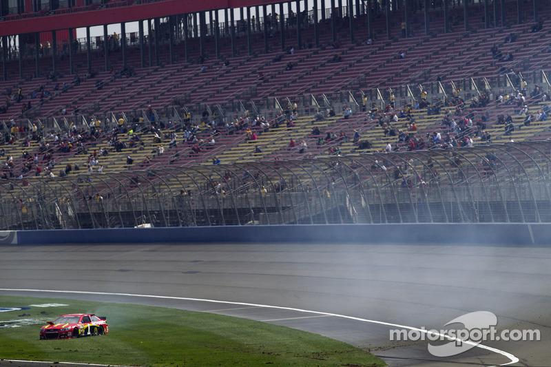 Problemi per Jamie McMurray, Ganassi Racing Chevrolet