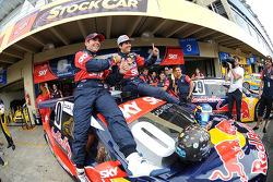 杆位获得者 Caca Bueno,和Juan Manuel Silva