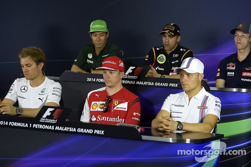 La conferenza stampa della FIA, Kamui Kobayashi, Caterham; Pastor Maldonado, Lotus F1 Team; Nico Ros