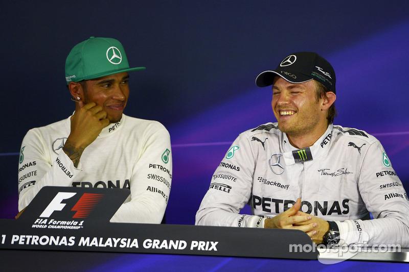 Conferenza stampa della FIA post qualifiche: Lewis Hamilton, Mercedes AMG F1, pole position; Nico Rosberg, Mercedes AMG F1, terzo