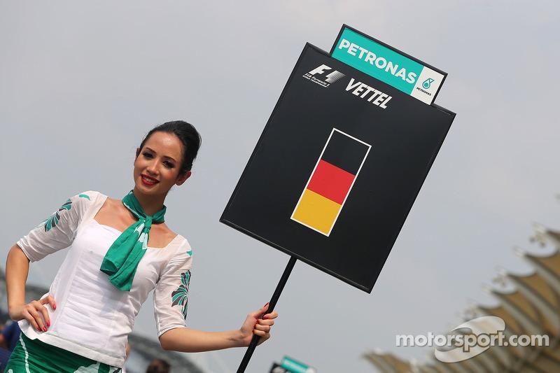 Sebastian Vettel (ALE), Red Bull Racing, grid girl 30