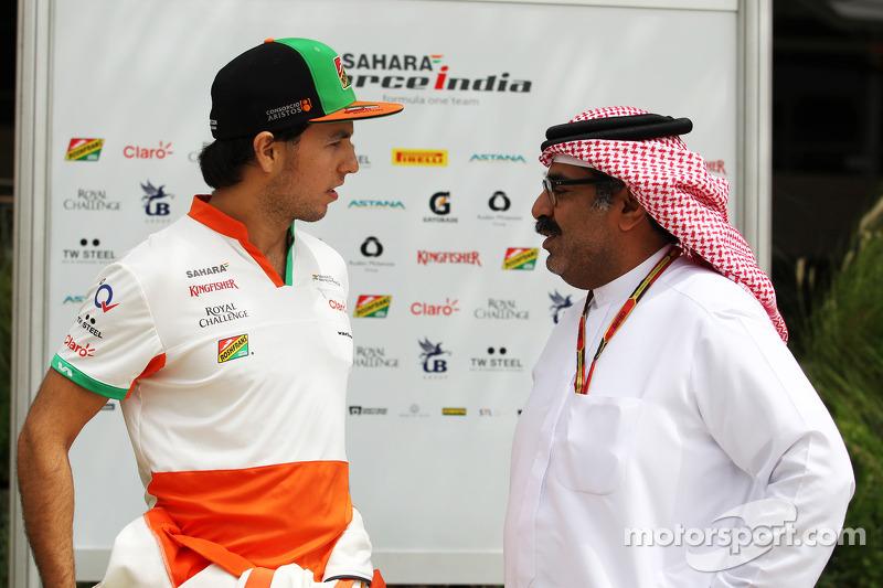 (L to R): Sergio Perez, Sahara Force India F1 with Muhammed Al Khalifa, Bahrain Circuit Chairman