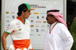 (L to R): Sergio Perez, Sahara Force India F1 with Muhammed Al Khalifa, Bahrain Circuit Chairman