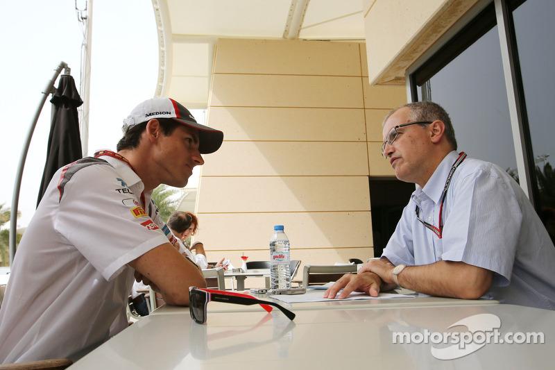 Adrian Sutil, Sauber F1 Team; Luis Vasconcelos, F1-Journalist