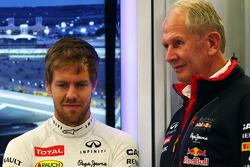 (Soldan Sağa): Sebastian Vettel, Red Bull Racing ve Dr Helmut Marko, Red Bull Motorsporları Danışmanı