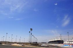 Kevin Magnussen, McLaren F1 and Sergey Sirotkin, test driver, Sauber F1 Team