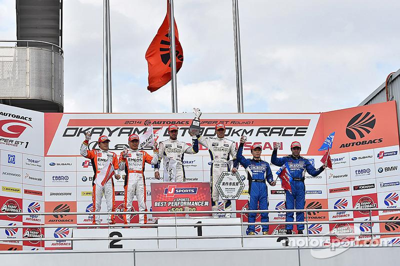 GT500 Kazanan Daizuke Ito ve Andrea Caldarelli, ikinci sıra Kazuya Oshima, Yuji Kunimoto, üçüncü sıra Hironobu Yasuda, Joao Paulo de Oliveira