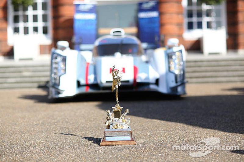 Il Tourist Trophy davanti alla Audi R18 e-tron quattro