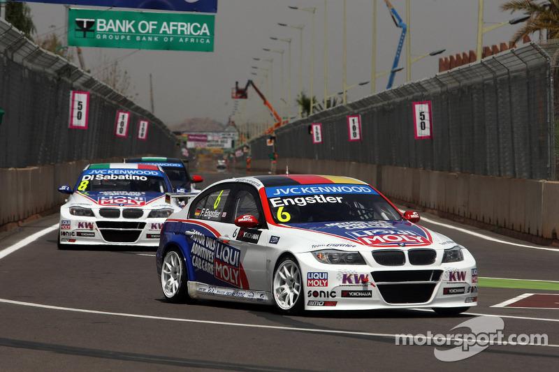 Franz Engstler, 320 TC, Liqui Moly Team Engstler davanti a Pasquale di Sabatino, BMW 320 TC, Liqui Moly Team Engstler