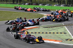 Start: Carlos Sainz Jr. leads