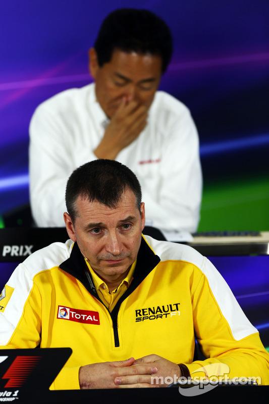 Rob White, Renault Sport diretorr, na conferência de imprensa