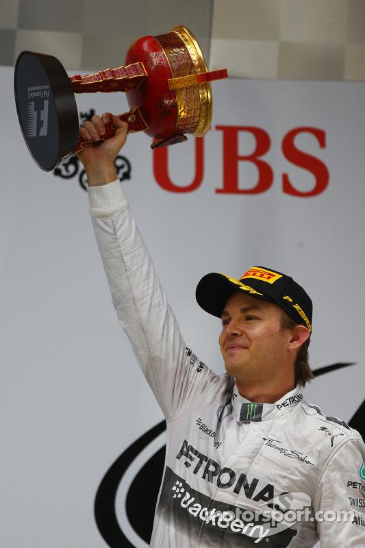 segundo colocado Nico Rosberg, Mercedes AMG F1