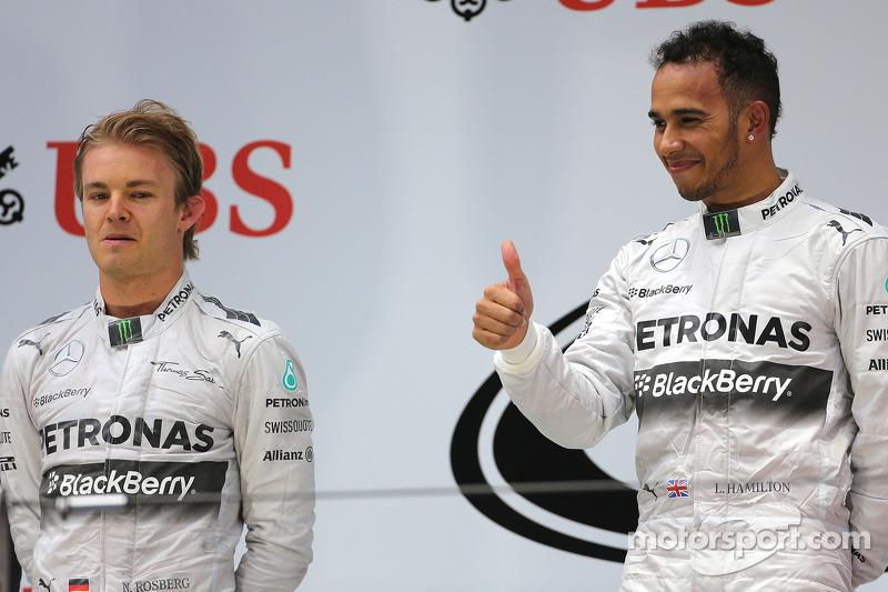 Nico Rosberg, da Mercedes AMG F1 Team, e Lewis Hamilton, Mercedes AMG F1 Team 20