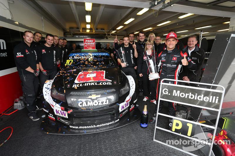 Kutlama, Gianni Morbidelli, Chevrolet RML Cruze TC1, ALL-INKL_COM Munnich Motorsport Yarış galibi ve takımı