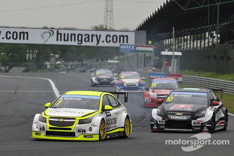 Hugo Valente, Chevrolet RML Cruze TC1, Campos Racing ve Gianni Morbidelli, Chevrolet RML Cruze TC1, ALL-INKL_COM Munnich Motorsport