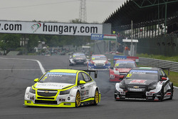 Hugo Valente, Chevrolet RML Cruze TC1, Campos Racing and Gianni Morbidelli, Chevrolet RML Cruze TC1, ALL-INKL_COM Munnich Motorsport