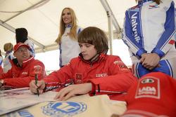 Autograph session, Robert Huff, LADA Granta 1.6T, LADA Sport Lukoil and Mikhail Kozlovskiy, LADA Granta 1.6T, LADA Sport Lukoil