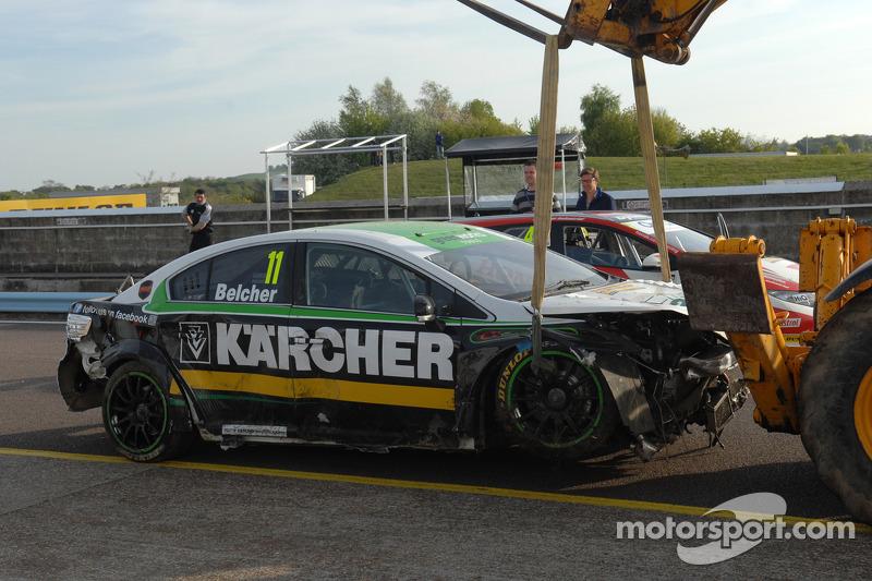 Il relitto della Handy Motorsport Toyota di Simon Belcher