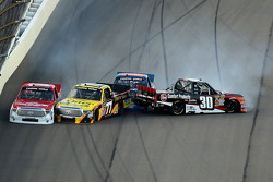 Problemas para Timothy Peters, Quiroga alemán, Spencer Gallagher, Ron Hornaday Jr.