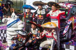 Подиум: победители Себастьен Ожье и Жюльен Инграссиа, M-Sport Ford, второе место – Дани Сордо и Карлос дель Баррио, Hyundai Motorsport, третье место – Крис Мик и Пол Нейгл, Citroën World Rally Team