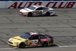 Matt DiBenedetto, Go FAS Racing, Ford Fusion Can-Am/Wholey David Ragan, Front Row Motorsports, Ford Fusion 1000Bulbs.Com