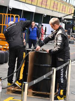 Meccanici del Team Renault Sport F1