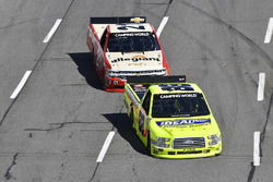 Matt Crafton, ThorSport Racing, Ford F-150 Ideal Door/Menards, Johnny Sauter, GMS Racing, Chevrolet Silverado Allegiant Airlines