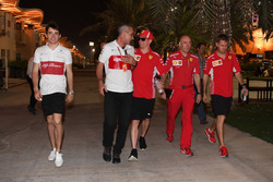 Charles Leclerc, Sauber, Beat Zehnder, Sauber Manager, Kimi Raikkonen, Ferrari, Jock Clear, Ferrari Chief Engineer and Sebastian Vettel, Ferrari