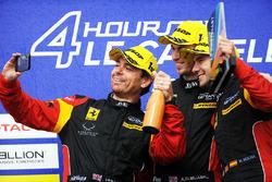 #66 JMW Motorsport Ferrari F488 GTE: Liam Griffin, Alex MacDowall, Miguel Molina
