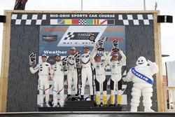 Podio GTLM: #25 BMW Team RLL BMW M8, GTLM: Alexander Sims, Connor de Phillippi, #912 Porsche Team North America Porsche 911 RSR, GTLM: Laurens Vanthoor, Earl Bamber, #3 Corvette Racing Chevrolet Corvette C7.R, GTLM: Antonio Garcia, Jan Magnussen, podium, Bib, Michelin