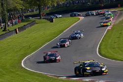 #17 Team WRT Audi R8 LMS: Stuart Leonard, Frederic Vervisch lider