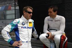 Питер Дамбрек, Falken Motorsports, и Вольф Хенцлер, Frikadelli Racing Team