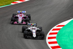 Sergey Sirotkin, Williams FW41,leads Esteban Ocon, Force India VJM11