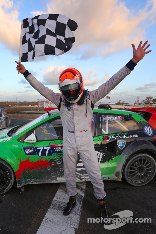 Vencedor Scott Speed