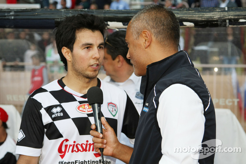 Sergio Perez, Sahara Force India F1, alla partita di calcio benefica