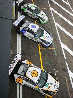 Porsches in pitlane
