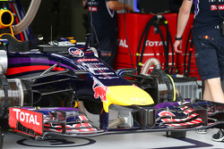 New front cameras on the Red Bull Racing RB10 of Daniel Ricciardo, Red Bull Racing