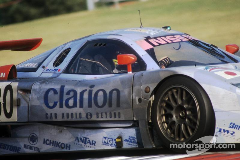 El #30 Nissan R390 GT1 de 1998: John Nielsen, Franck Lagorce, Michael Krumm