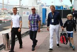 Kevin Magnussen, McLaren, with his father Jan Magnussen