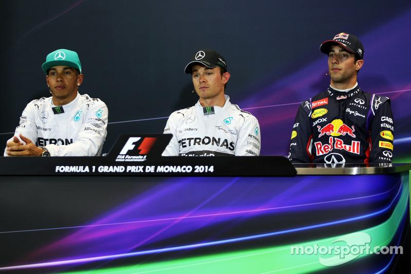 La conferenza stampa FIA qualifiche, i primi tre: Lewis Hamilton, Mercedes AMG F1, secondo; Nico Rosberg, Mercedes AMG F1, pole position; Daniel Ricciardo, Red Bull Racing, terzo