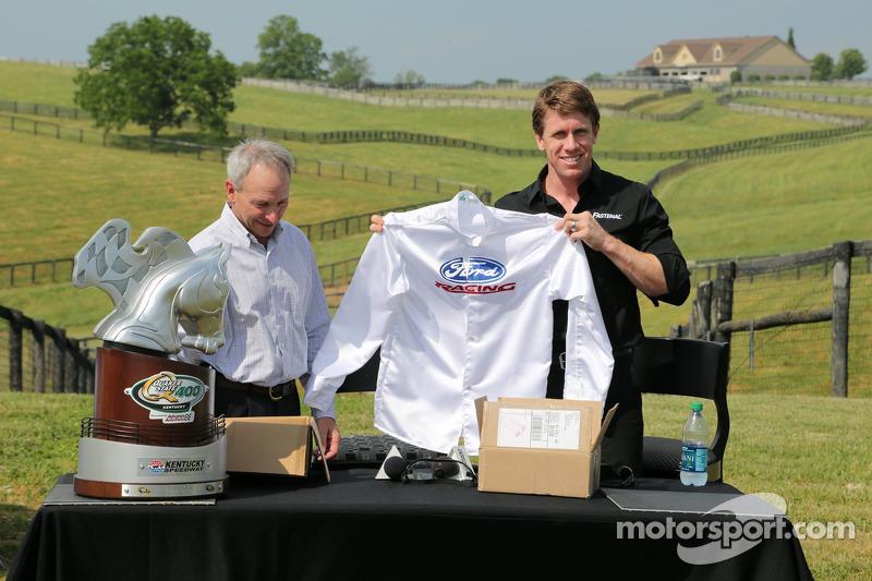 Carl Edwards ve Steve Cauthen Dreamfields Farm ziyareti, Kentucky