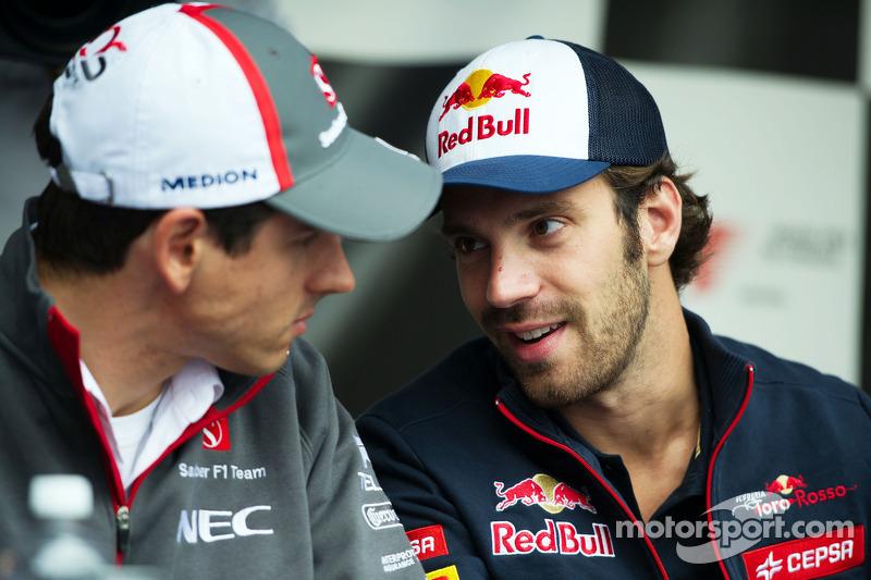 (L to R): Adrian Sutil, Sauber with Jean-Eric Vergne, Scuderia Toro Rosso