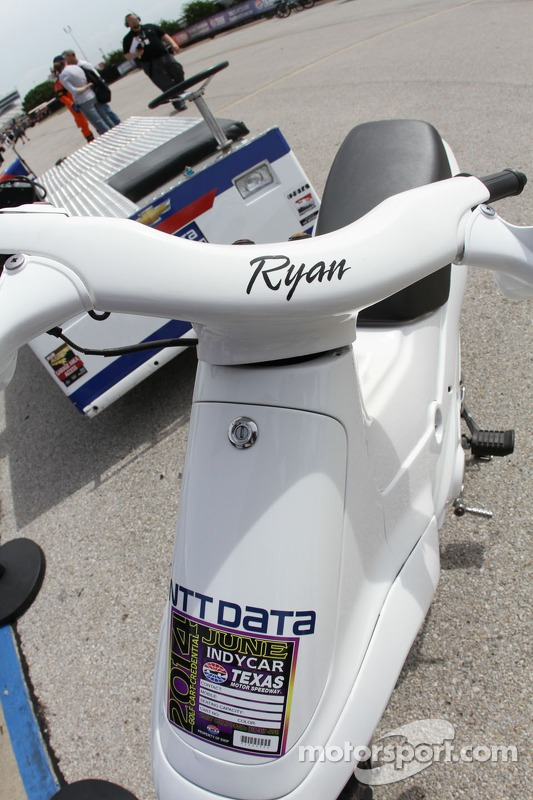 Ryan Briscoe scooter