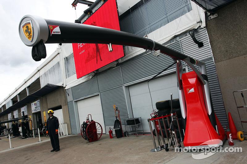 Ferrari pit stop equipment