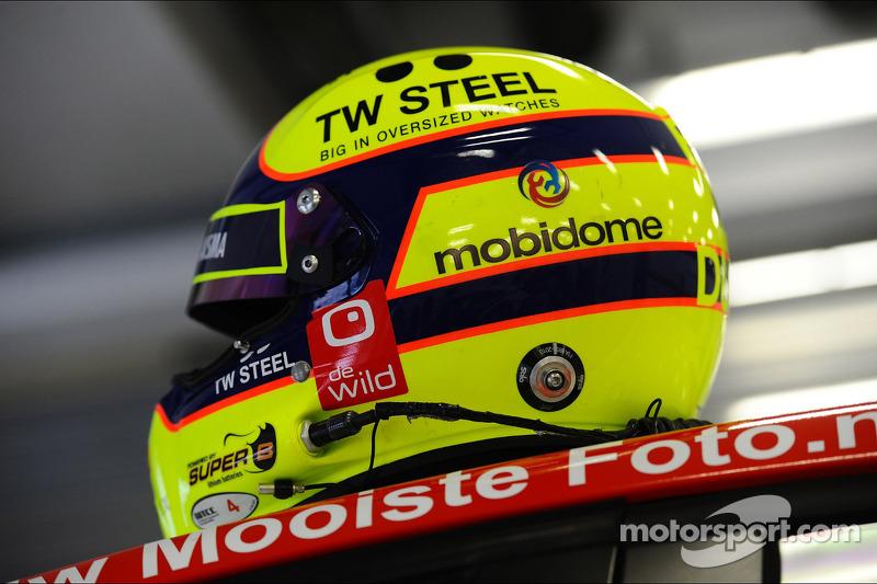 Tom Coronel'in kaskı, Chevrolet RML Cruze TC1, Roal Motorsport